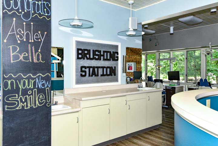 brushing station